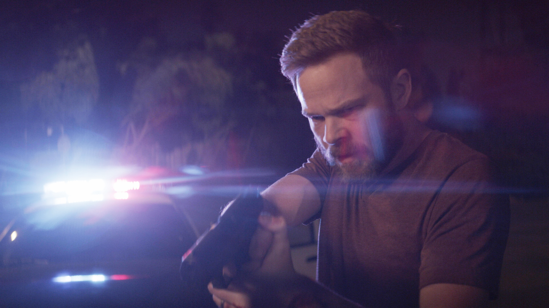 Shawn Ashmore in Darkness Falls (2020)