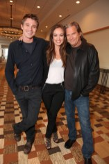 garrett-hedlund-olivia-wilde-jeff-bridges-tron-comic-con-2010