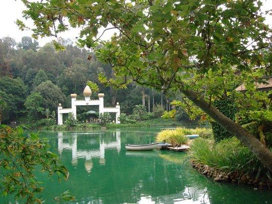 The Self-Realization Lake Shrine