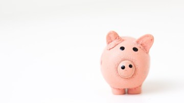 Five Money Management Tips to Save for Your Startup While Working as A Company Employee
