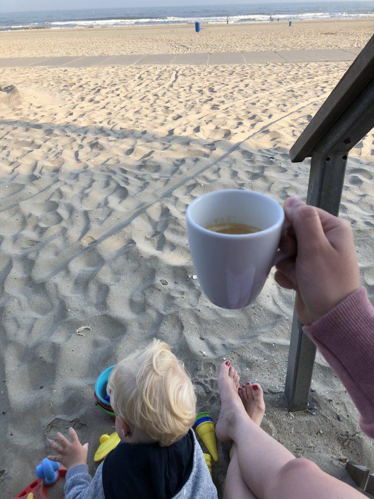 Urlaub mit Kleinkind - Buddeln vor dem Frühstück