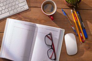 現在の収入を補うために空き時間にセールスライティングを行う方法