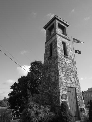L'horloge de Boiling Springs, faite avec les pierres d'une ferme qui recueillait les esclaves fugitifs