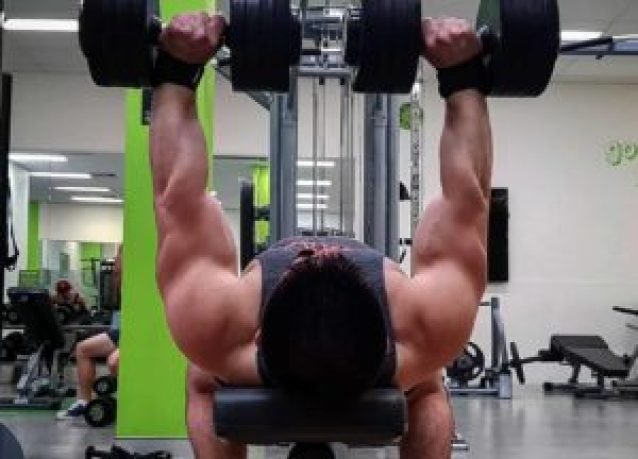大胸筋 を鍛える ダンベルプレス