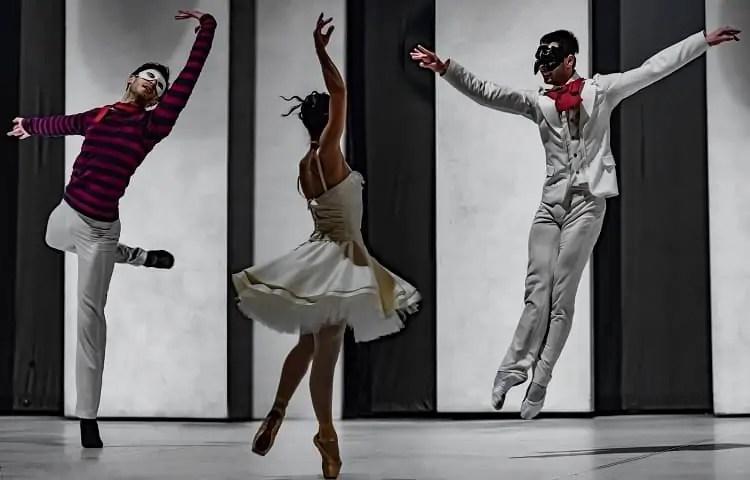 neoclassical ballet scene