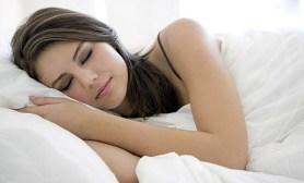 sleeping-with-makeup