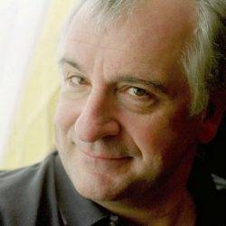Does Douglas Adams really have anything to tell us about workplace design ?