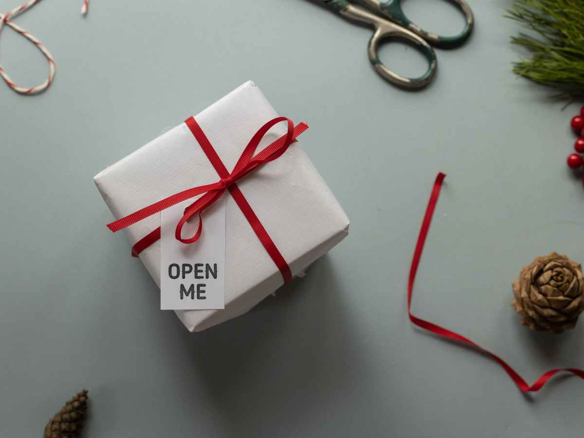 handmade gift box with title on tag on christmas day