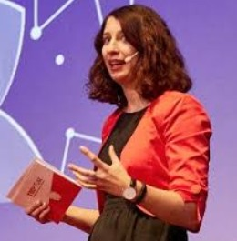 Dora Dzvonyar TedXTum Foto