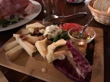 Rosso Crudo in Florence: formaggi misti