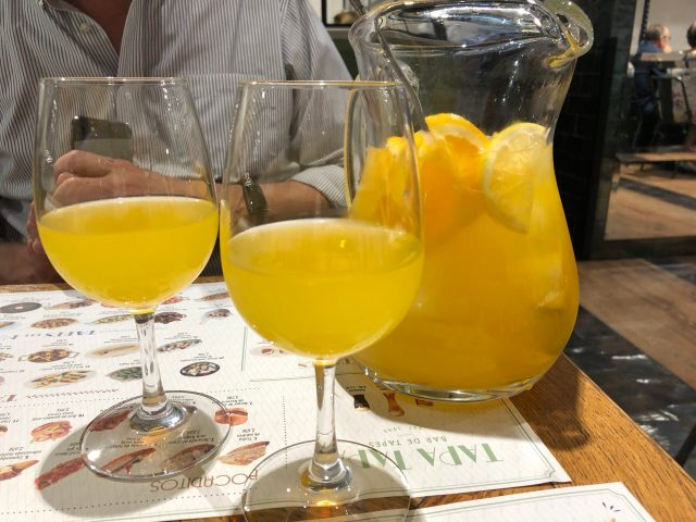 Where to Eat Tapas in Barcelona: Orange sangria at Tapa Tapa