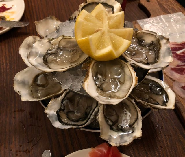 Where to Eat Tapas in Barcelona: Oysters at La Taperia