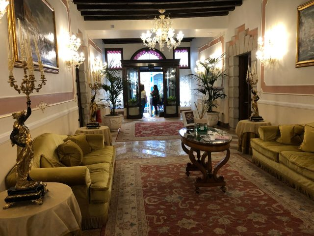 Best Things to Do in Venice:  the Hotel Ai Cavalieri