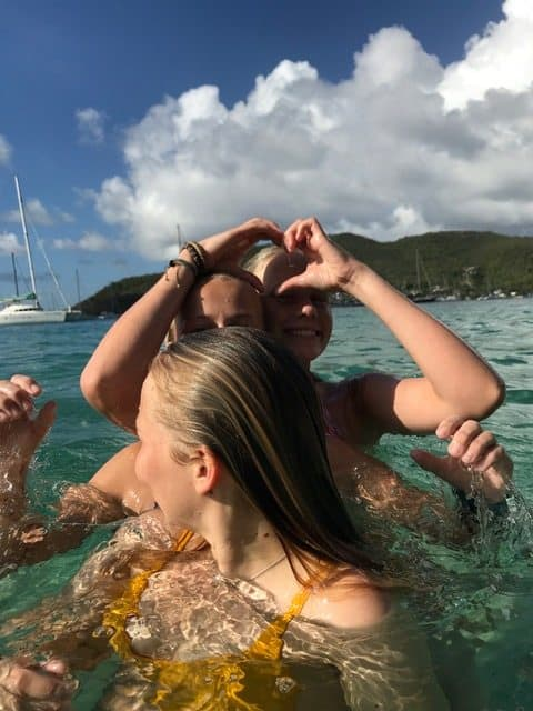 2018 january 18. Ragna, Vilde and Ane enjoying the water in Bequia. Photo by Nicolea Tvedten. jpg