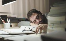 Чем угрожает организму постоянный недосып