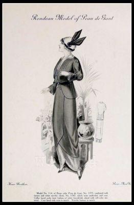 Rondeau Model of Peau de Gant. France Fin de siècle fashion. French haute couture gown. Belle Epoque cocktail