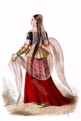 Anarkali suit, Medieval Indian. Mughal costume. Indian woman clothing. India middle ages. Salwar kameez. Dupatta.