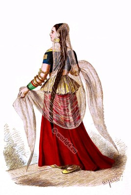 Anarkali suit, Medieval Indian. Mughal costume. Indian woman clothing. India middle ages. Salwar kameez. Dupatta.