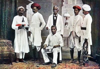 Indian Native Servants dresses. India national costume Traditional Hindu clothing.