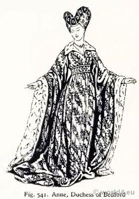 Costume 15th century. Anne Duchess of Bedford. Anne de Bourgogne. Burgundy court dress.
