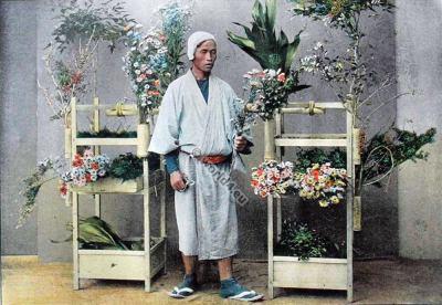Japanese flower seller. Historical Japan clothes. Marchand, Japon