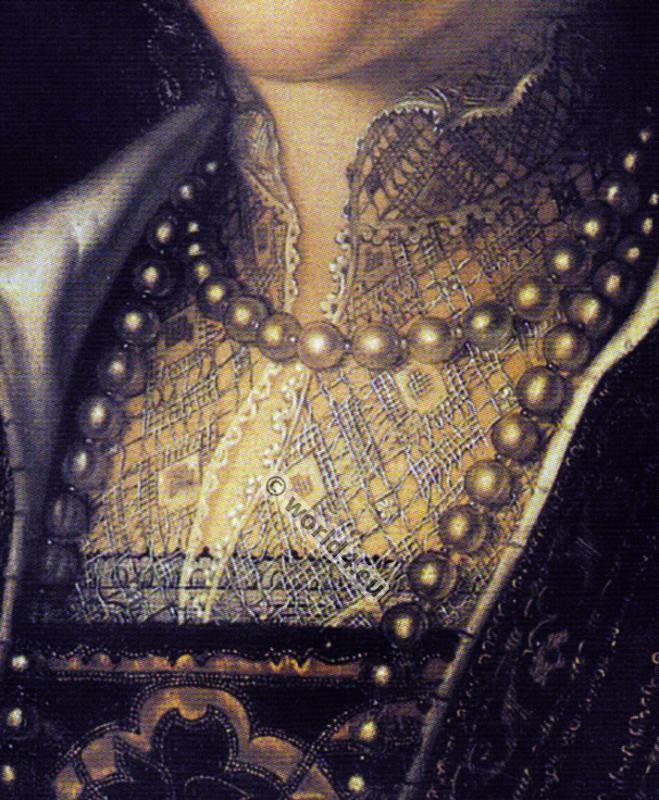 Eleanor of Toledo. chemisette