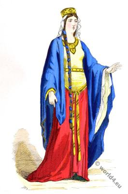 Merovingian queen, nobility, French, costume, Middle ages, 5th century clothing.