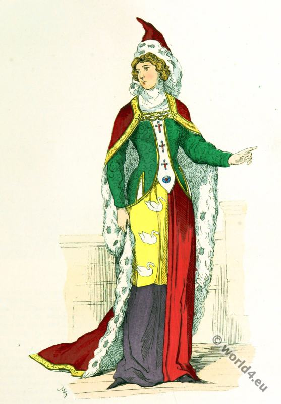 Noble Lady 14th century costume.