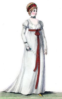 Short puffed sleeves costume. Empire fashion. Costume Parisien