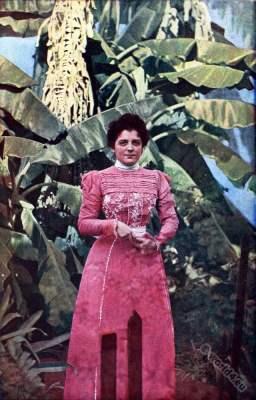 Traditional Cuba costume. Caribic islands. American colonialism. Creole costumes. Spanish–American War.