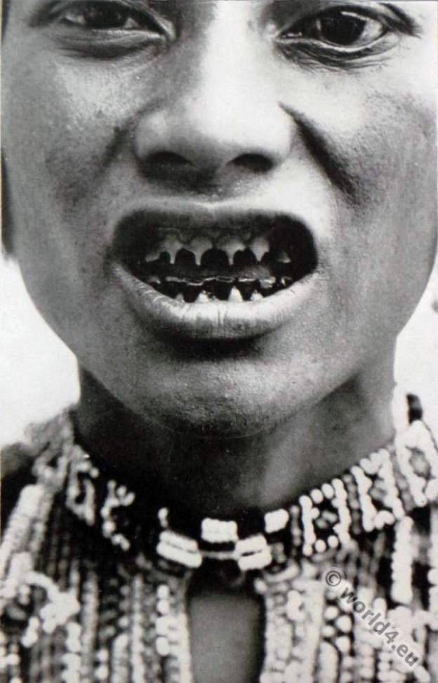 Bagobo. Pointed teeth. Philippines Indigenous ethnic group. Manobo, Manuvu, Obbo, Obo,