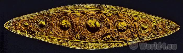 Gold diadem from Mycenae. Ancient greek jewlery. Mycene.