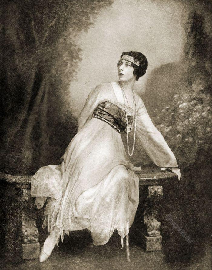 Conde Nast, Fashion, evening gown, Baron de Meyer, costume,