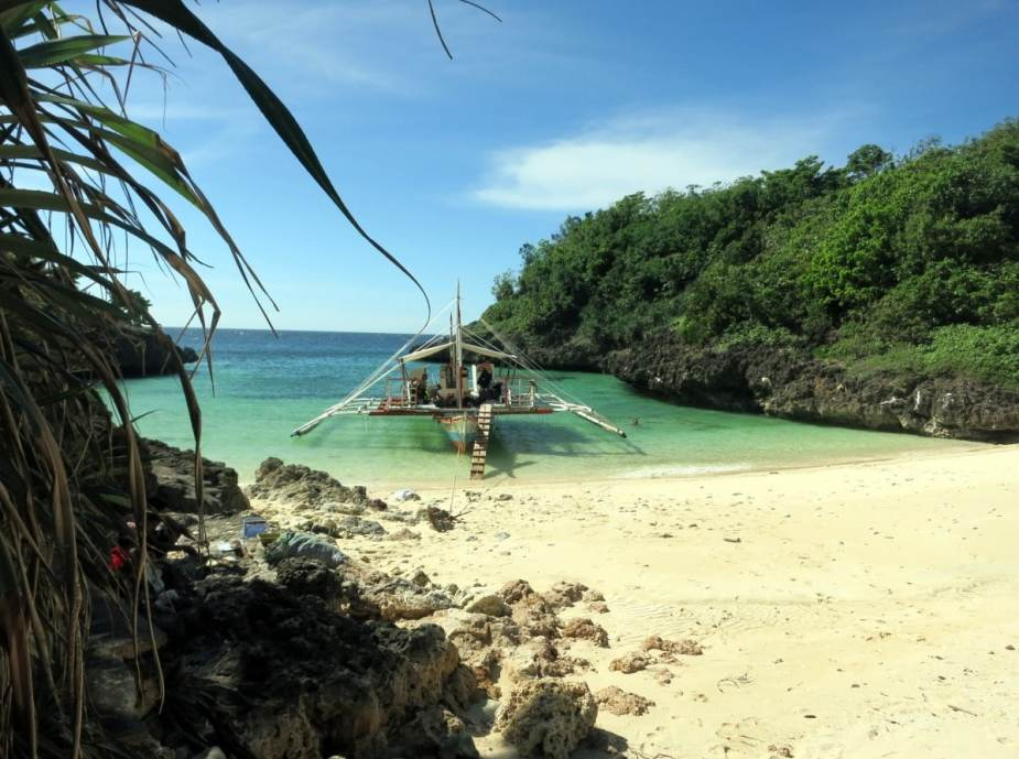 Island hopping Visayas Philippines