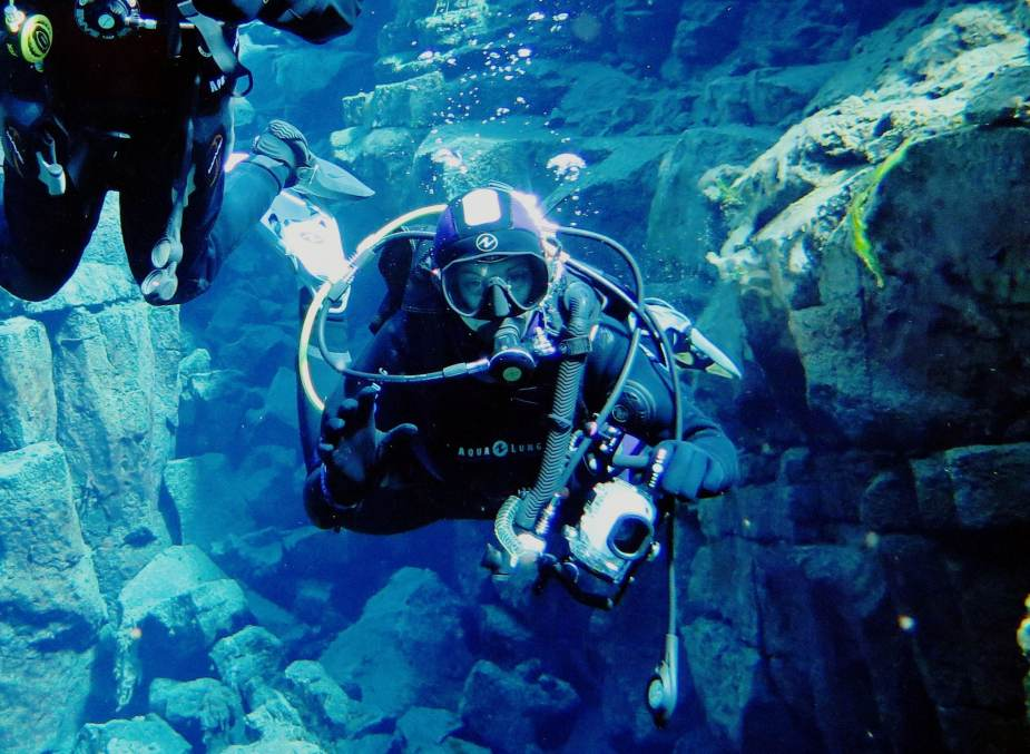 How to take pictures underwater by maintaining good buoyancy