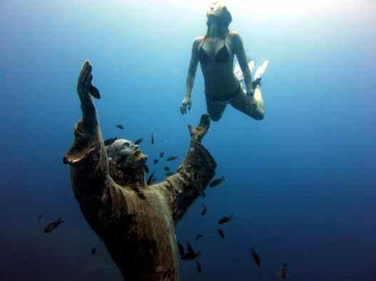 Christ of the Abyss / Cristo degli Abissi in San Fruttuoso Portofino Italy free diver