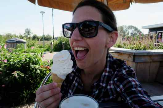 Ice cream break in Den Osse