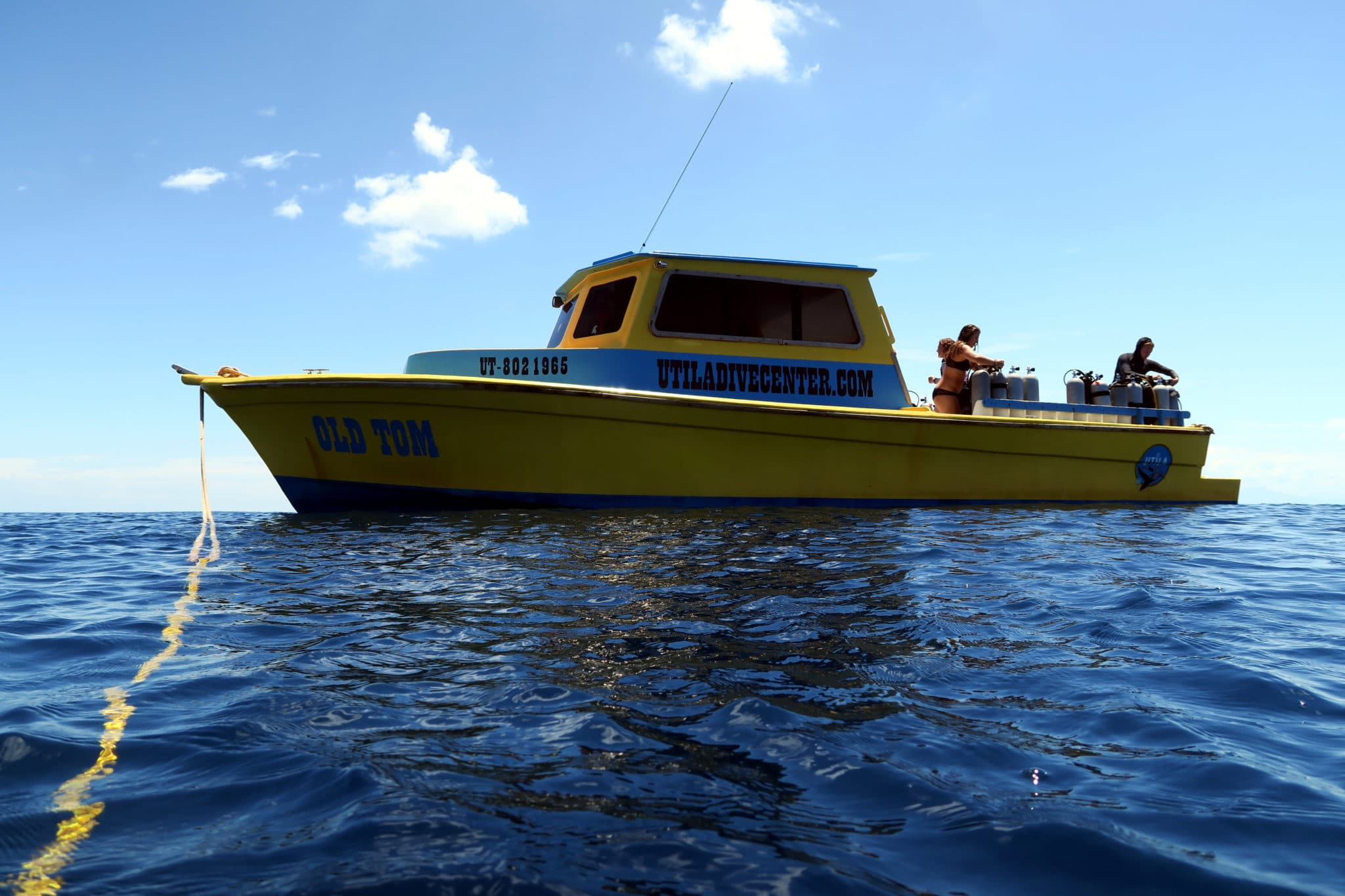 Utila Dive Center boat