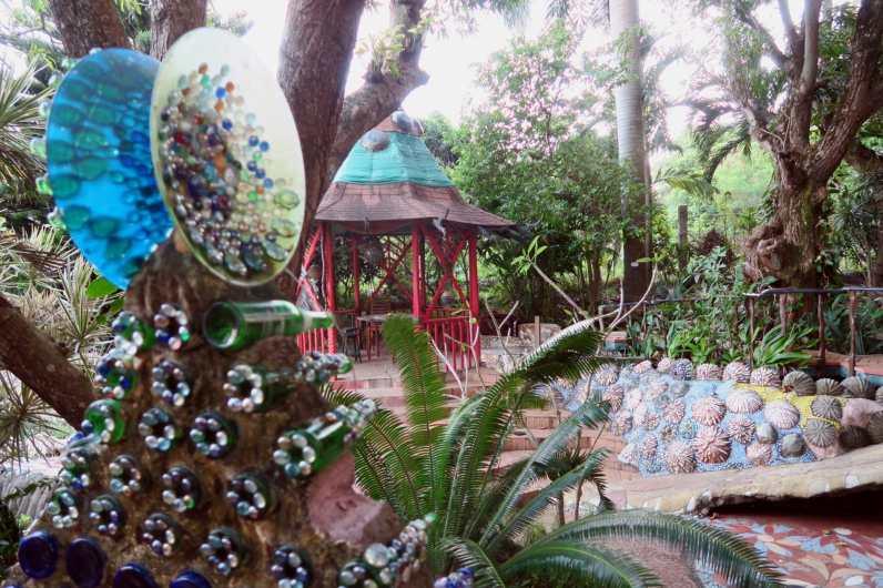 Jade seahorse Art Garden Utila Honduras