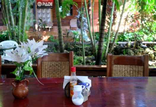 Mango Inn accomodation with Utila Dive Center