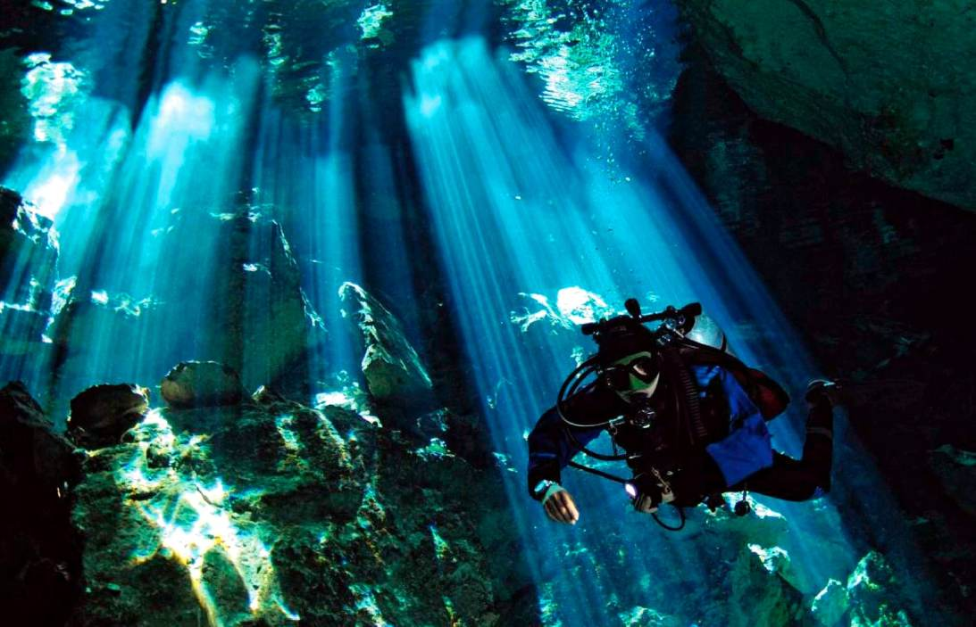 Cenote diving Mexico