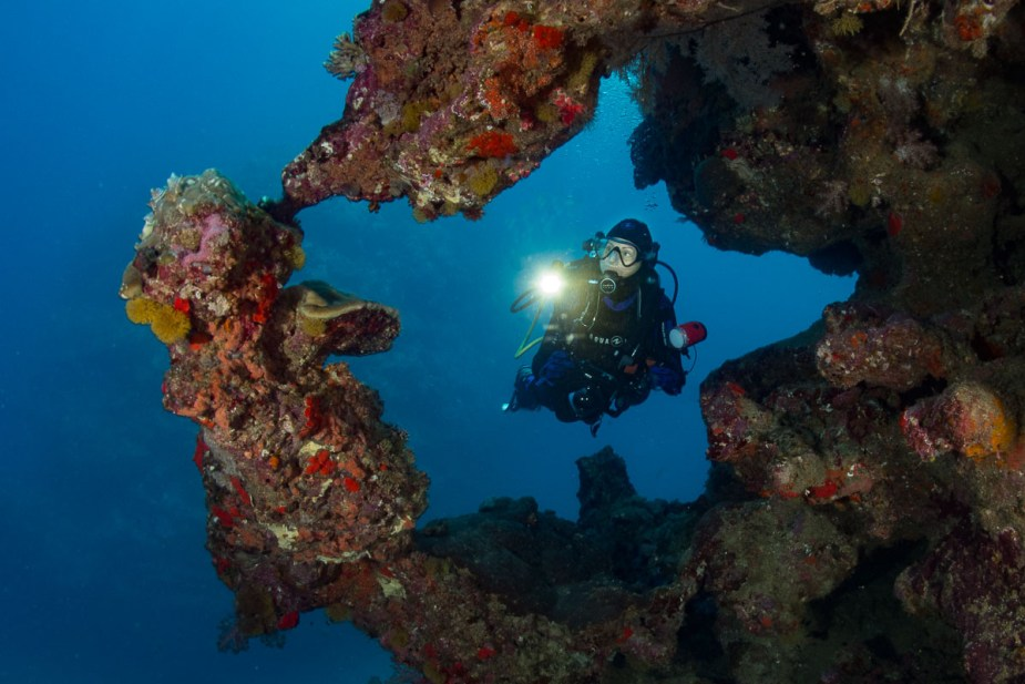 how to pictures underwater - buoyancy control