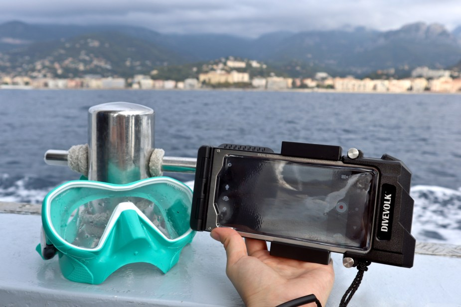 Diving phone case Seatouch pro 3 - scuba diving Menton French Riviera