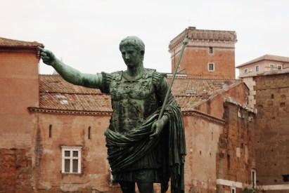 Roman Forum - Walking tour in Rome in December
