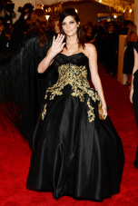 worst-ashley-greene-should-wave-goodbye-to-her-marchesa-gown