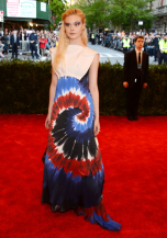 worst-elle-fanning-looked-dazed-and-confused-in-this-rodarte-gown