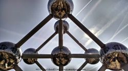 Angles of the Atomium