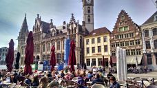 The Korenmarkt in Ghent: an excellent place for viewing people and architecture.