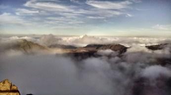 View at Kalahaku overlook: cloud-covered mountainside