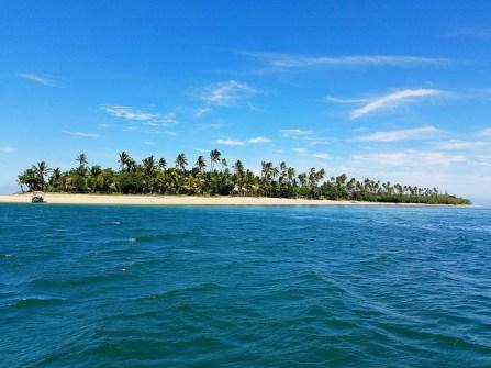 Approaching Robinson Crusoe Island!
